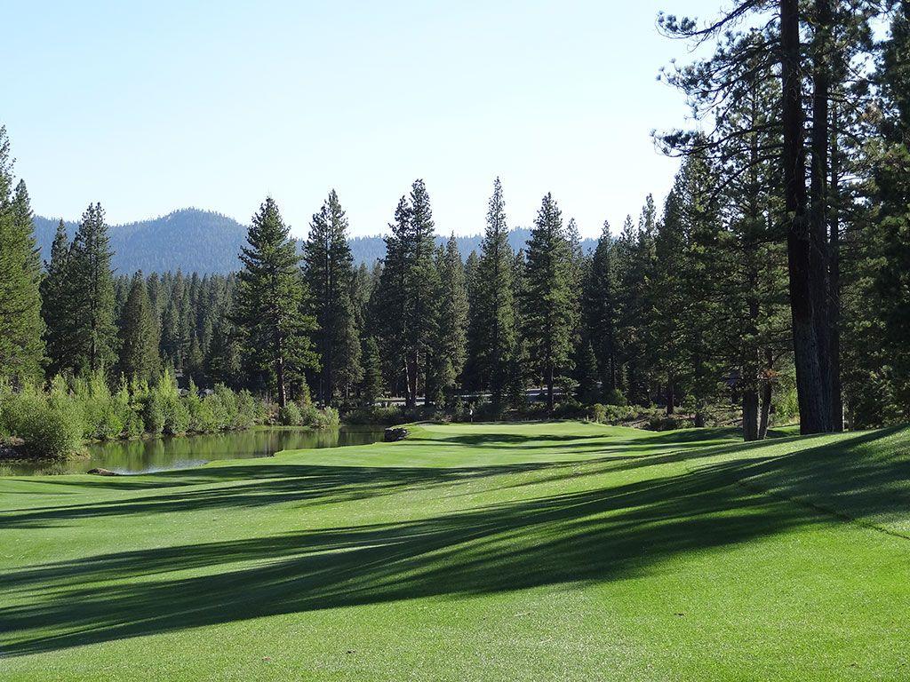9th Hole at Schaffer's Mill Golf Club (480 Yard Par 4)