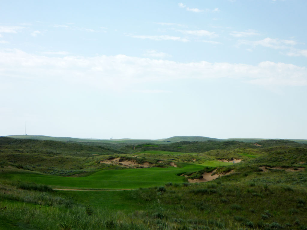 10th Hole at Ballyneal Golf Club (509 Yard Par 4)