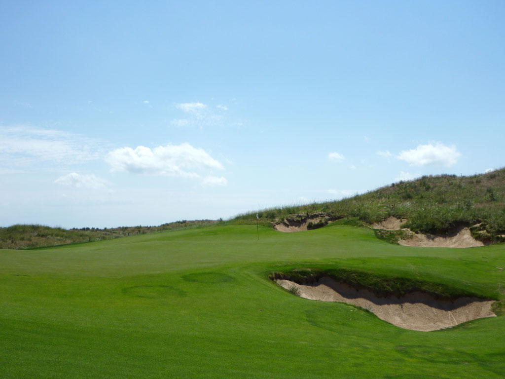 16th Hole at Ballyneal Golf Club (546 Yard Par 5)