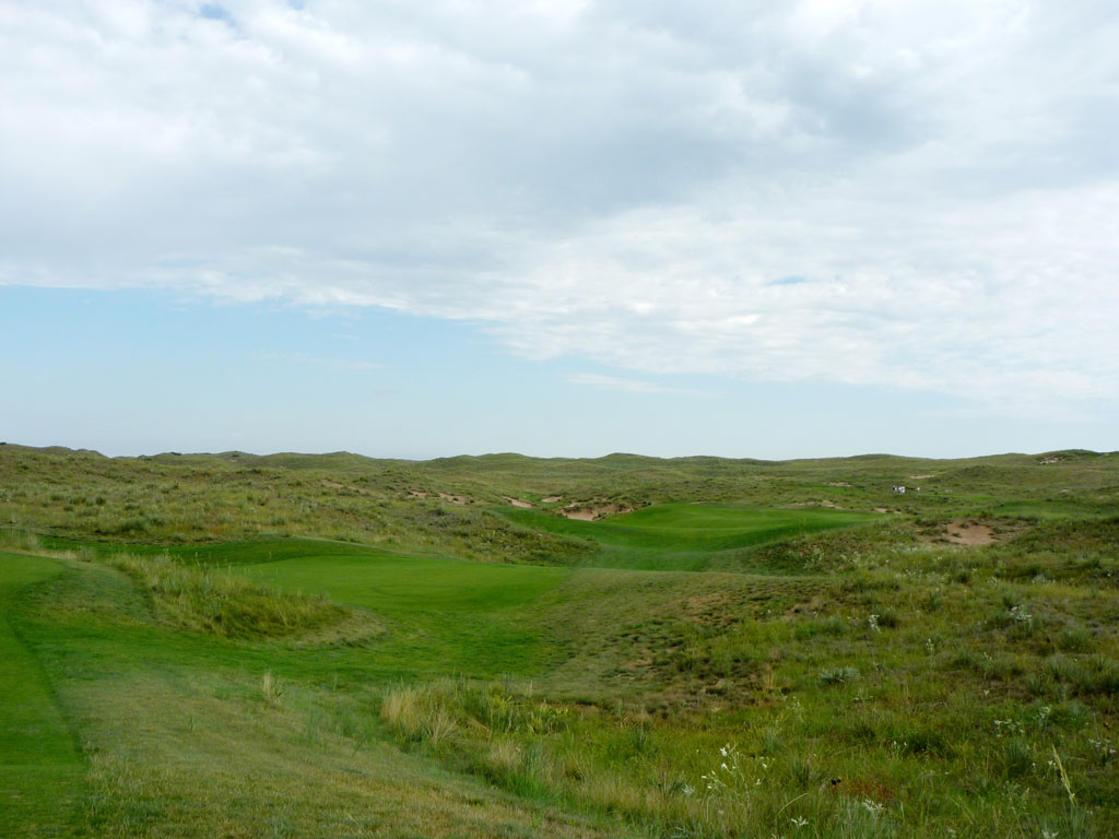 7th Hole at Ballyneal Golf Club (352 Yard Par 4)