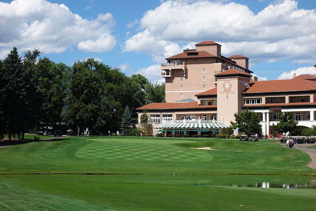18th Hole at Broadmoor Resort (East) (433 Yard Par 4)