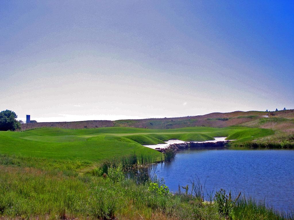 16th Hole at Fossil Trace Golf Club (160 Yard Par 3)