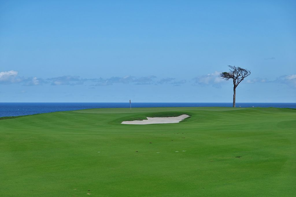 8th Hole at Playa Grande Golf & Ocean Club (380 Yard Par 4)
