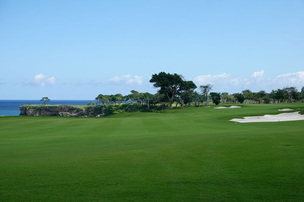 9th Hole at Playa Grande Golf & Ocean Club (455 Yard Par 4)