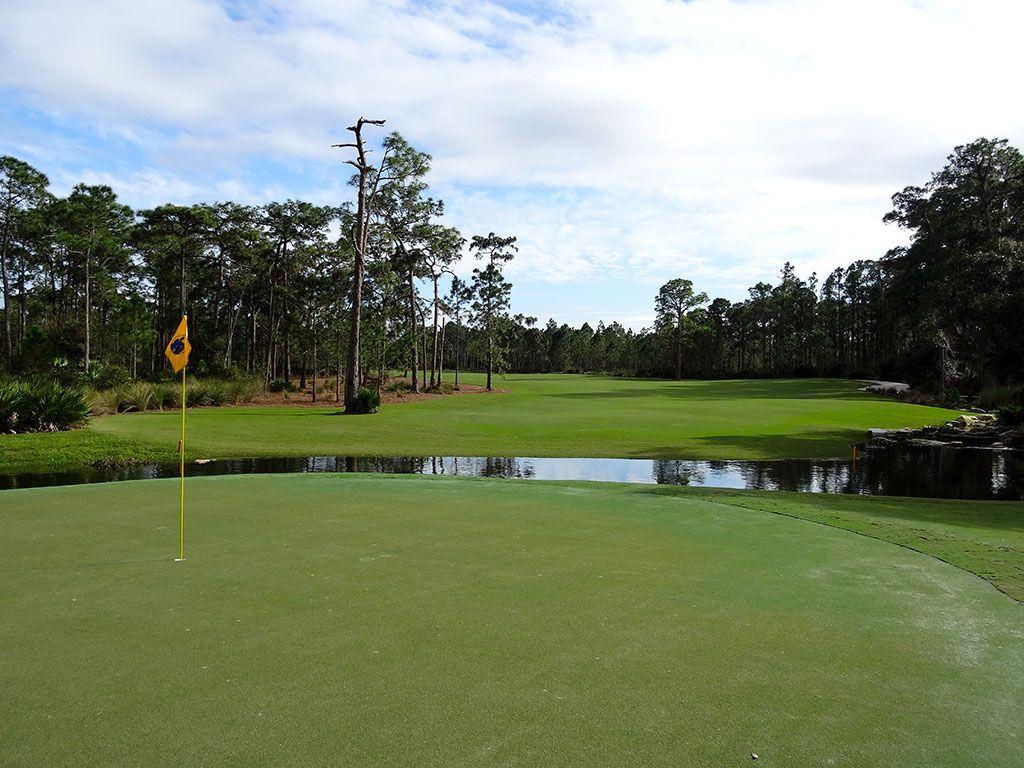 8th Hole at Concession Golf Club (374 Yard Par 4)