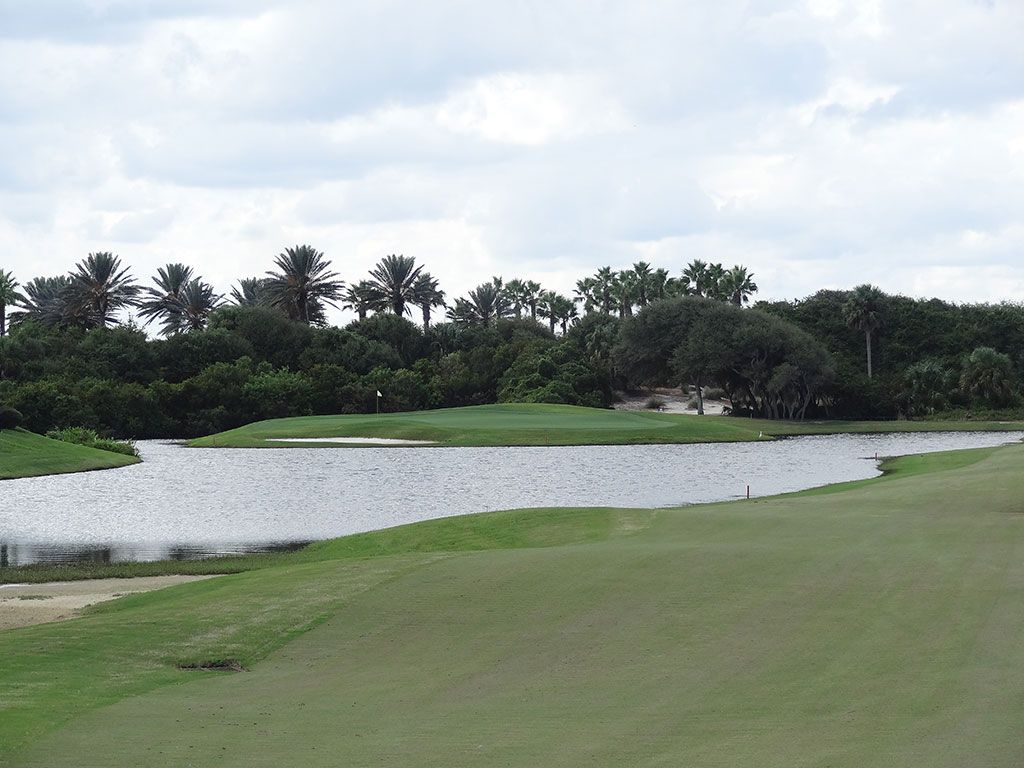 6th Hole at Hammock Beach Resort (Ocean) (526 Yard Par 5)