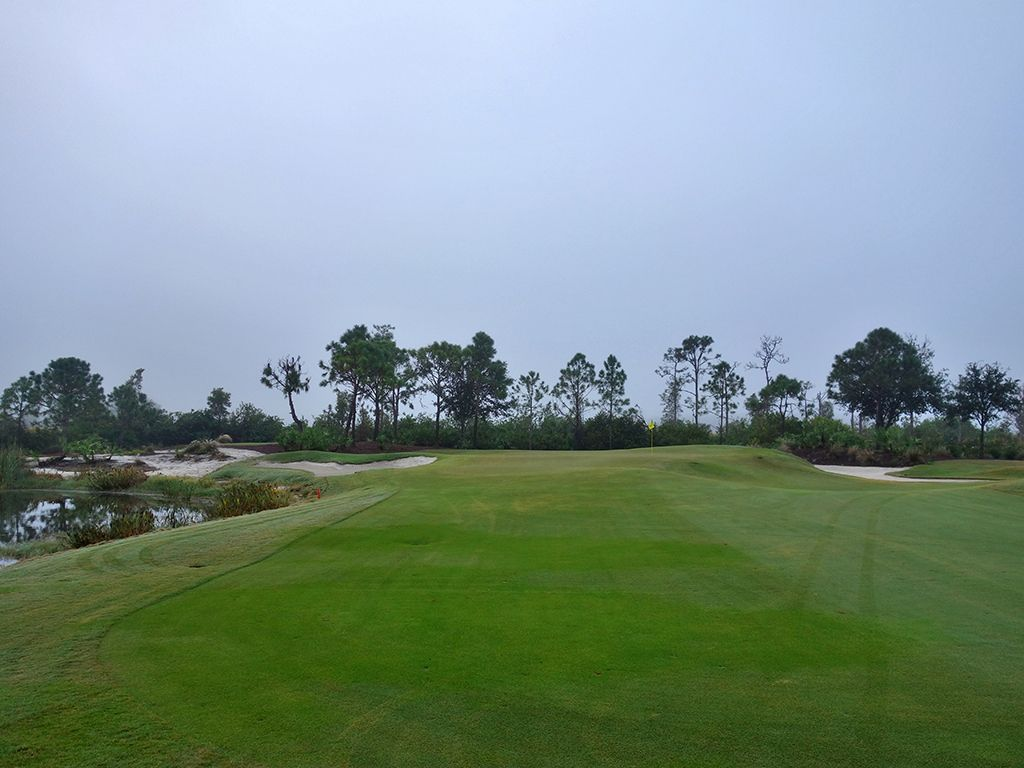 4th Hole at Old Corkscrew Golf Club (348 Yard Par 4)