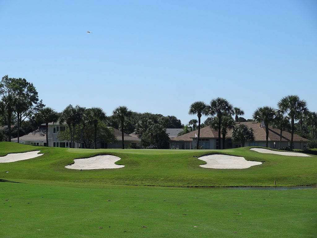 West 7th Hole at Sawgrass Country Club (South/West) (377 Yard Par 4)