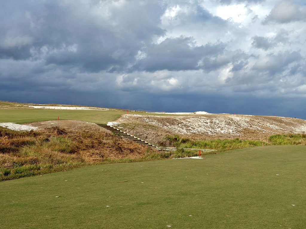 4th Hole at Streamsong Resort (Black) (601 Yard Par 5)