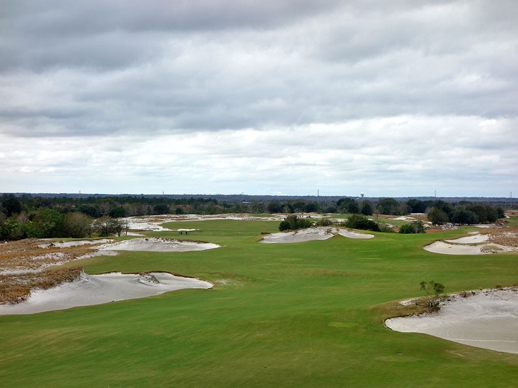 1st Hole at Streamsong Resort (Blue) (338 Yard Par 4)