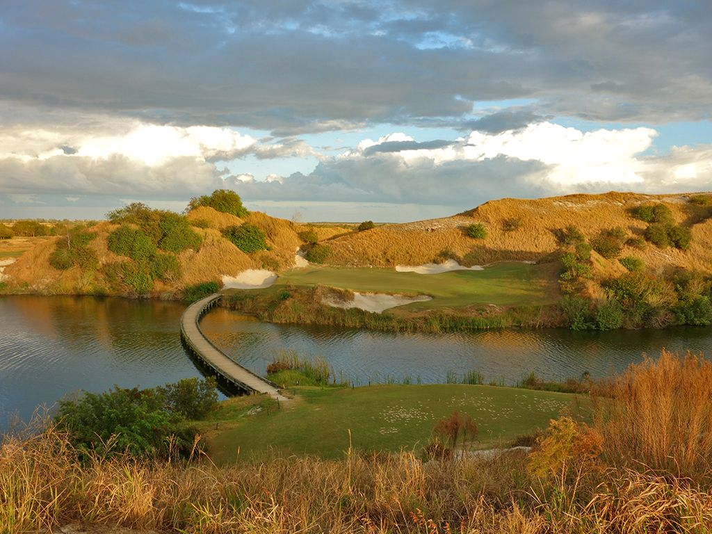 7th Hole at Streamsong Resort (Blue)
