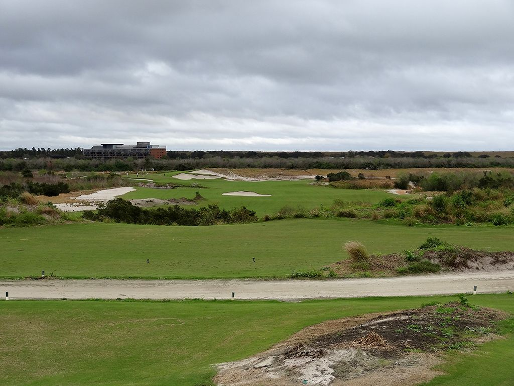 8th Hole at Streamsong Resort (Blue) (454 Yard Par 4)