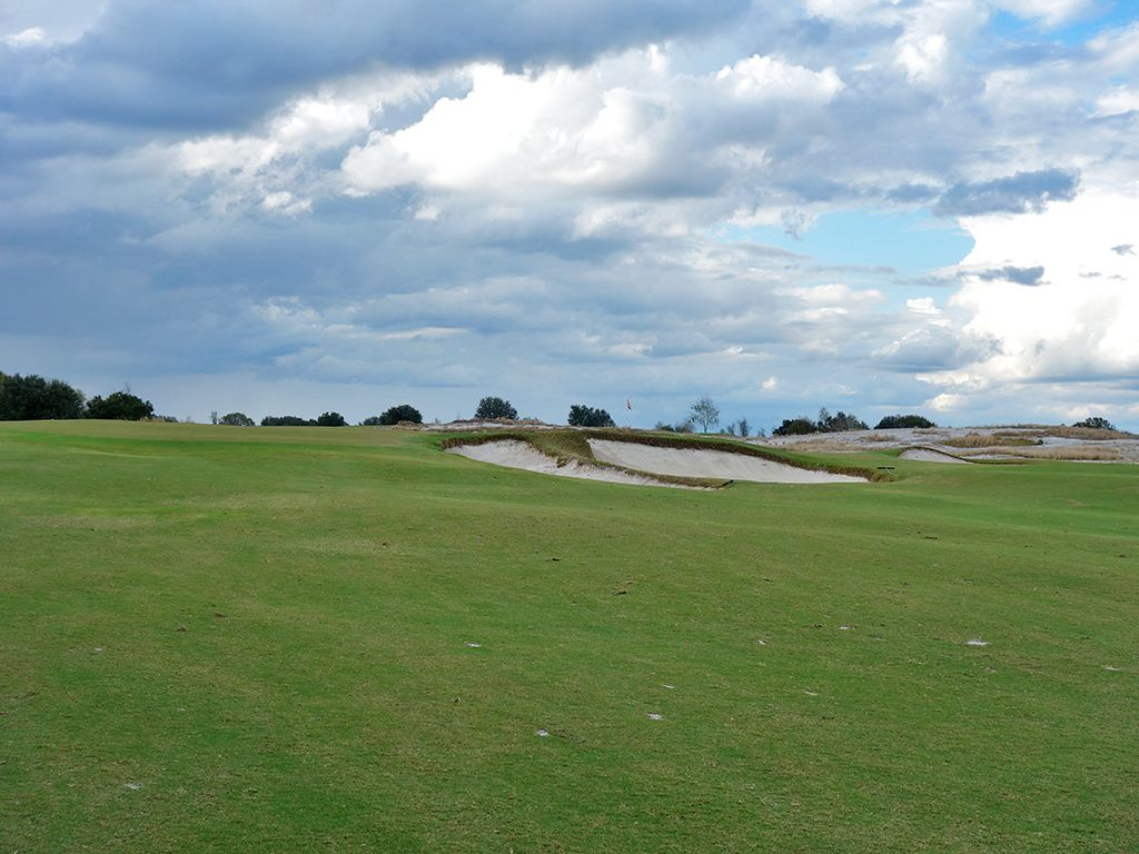 9th Hole at Streamsong Resort (Red) (312 Yard Par 4)
