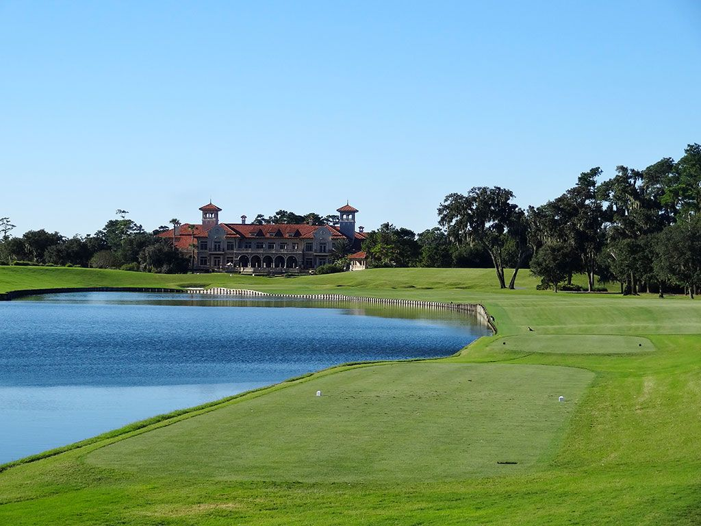 18th Hole at TPC Sawgrass (Stadium Players) (462 Yard Par 4)
