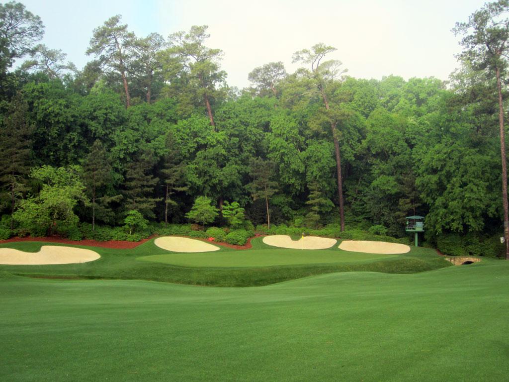 13th Hole at Augusta National Golf Club (510 Yard Par 5)
