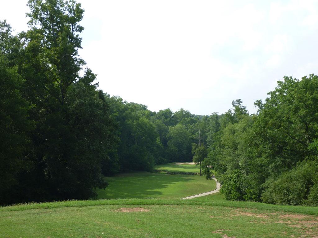 8th Hole at Cherokee Run Country Club (301 Yard Par 4)