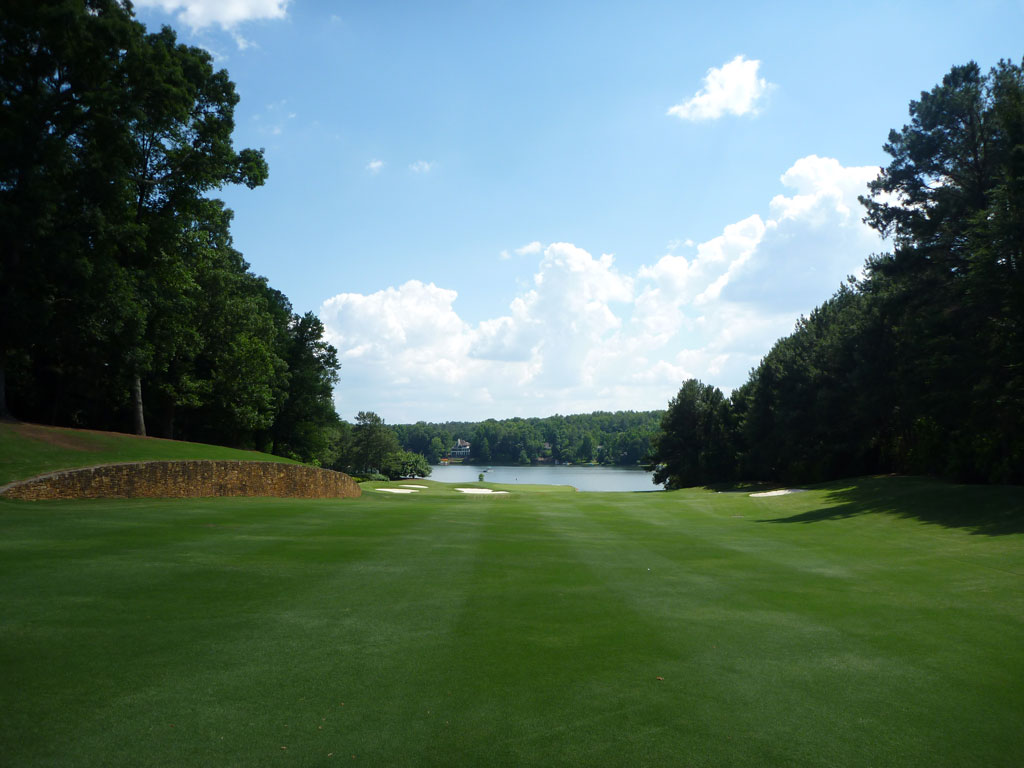 11th Hole at Golf Club of Georgia (Lakeside) (607 Yard Par 5)