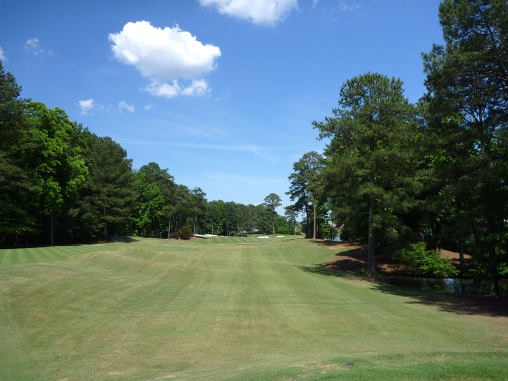 12th Hole at Golf Club of Georgia (Lakeside) (374 Yard Par 4)