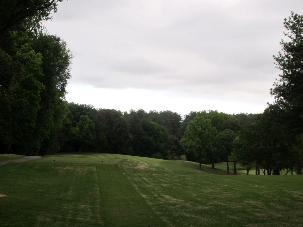 2nd Hole at Peachtree Golf Club (584 Yard Par 5)