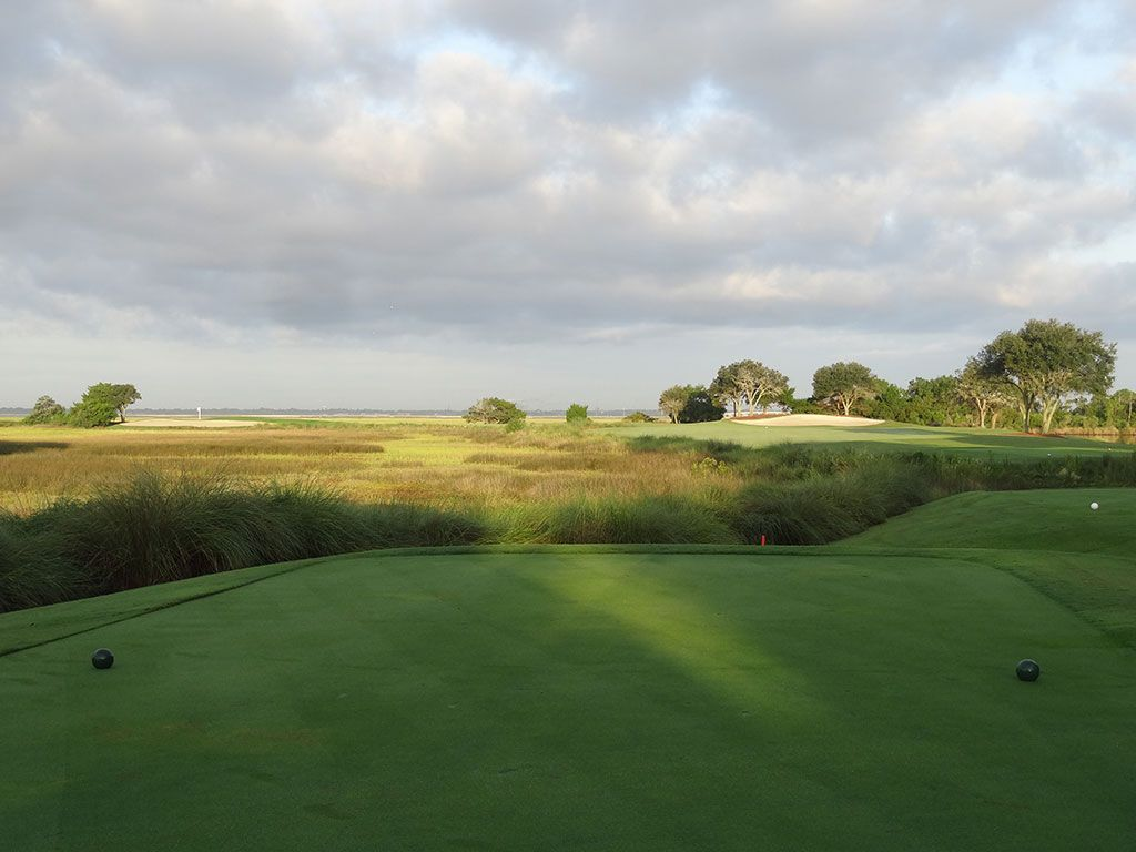 4th Hole at Sea Island Golf Club (Seaside) (421 Yard Par 4)