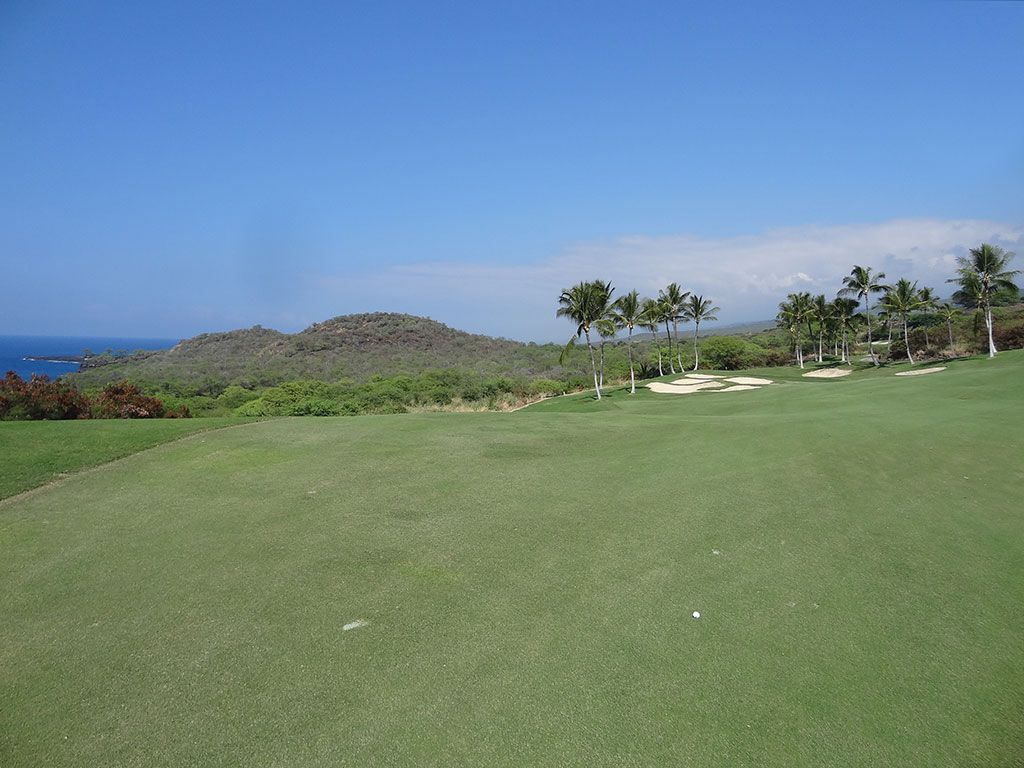17th Hole at Hokulia Golf Club (408 Yard Par 4)