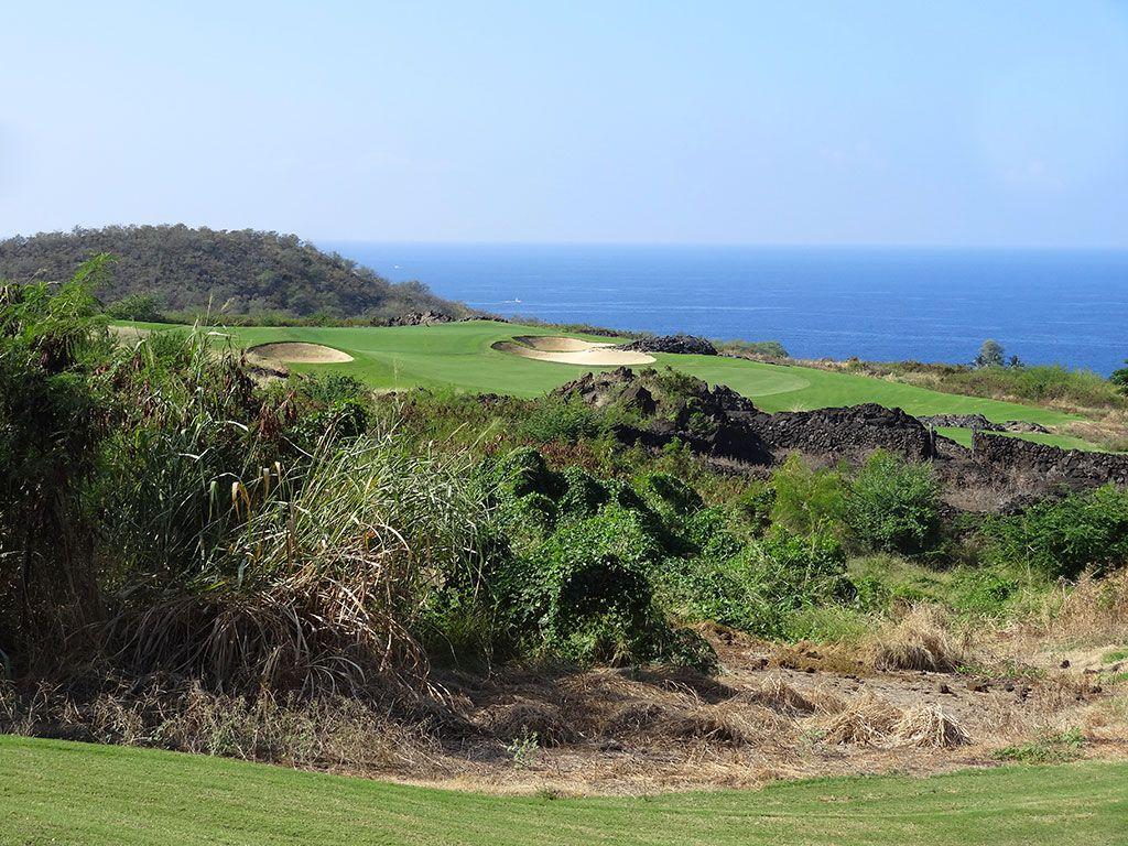 8th Hole at Hokulia Golf Club (222 Yard Par 3)