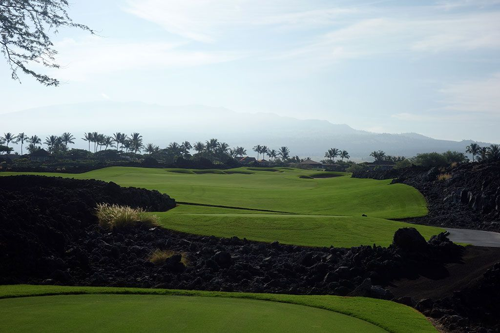 9th Hole at Hualalai Golf Club (Ke'olu) (397 Yard Par 4)