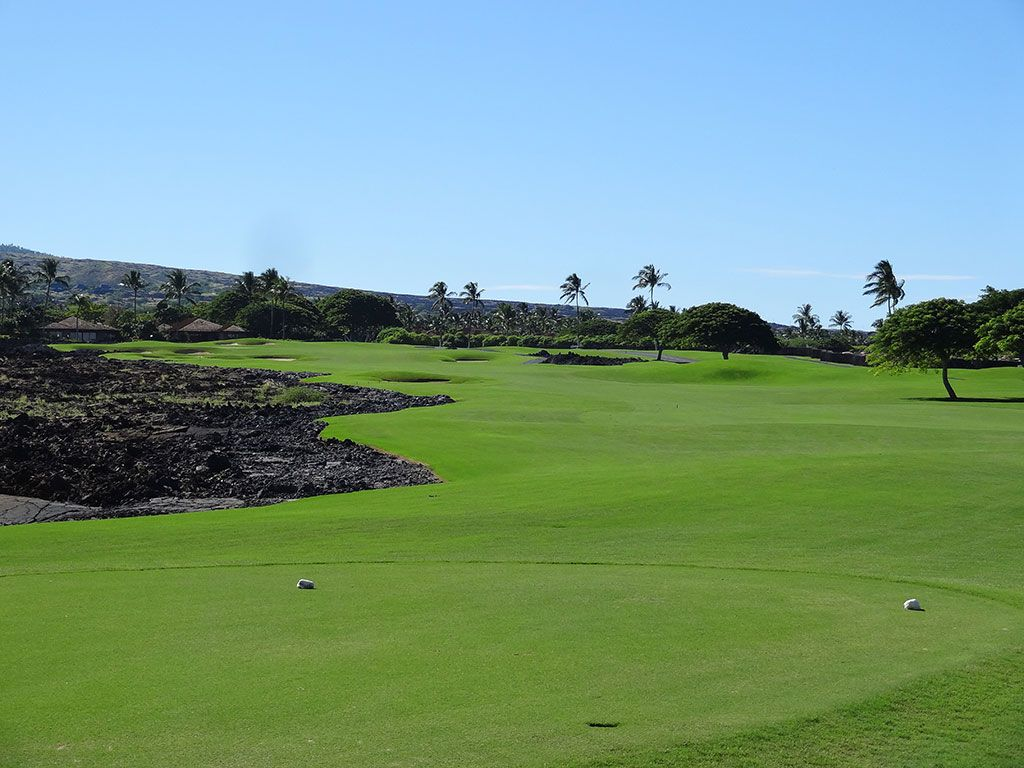 14th Hole at Hualalai Golf Club (Nicklaus) (519 Yard Par 5)