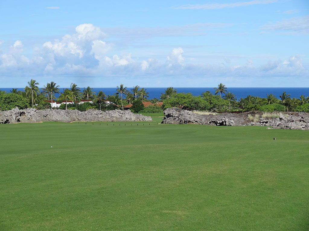 7th Hole at Hualalai Golf Club (Nicklaus) (556 Yard Par 5)