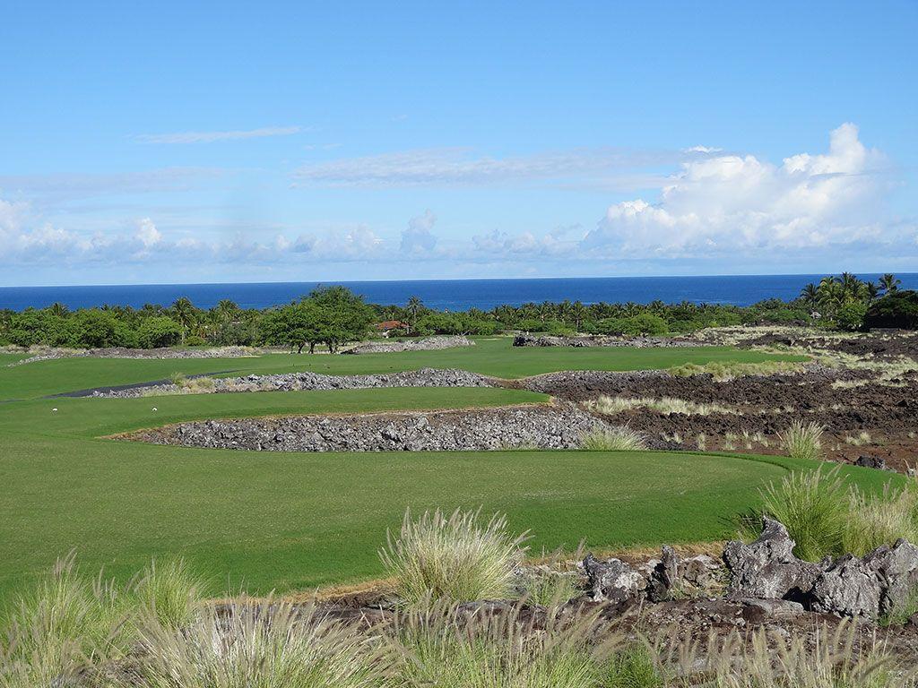 7th Hole at Hualalai Golf Club (Nicklaus) (556 Yard Par 5)