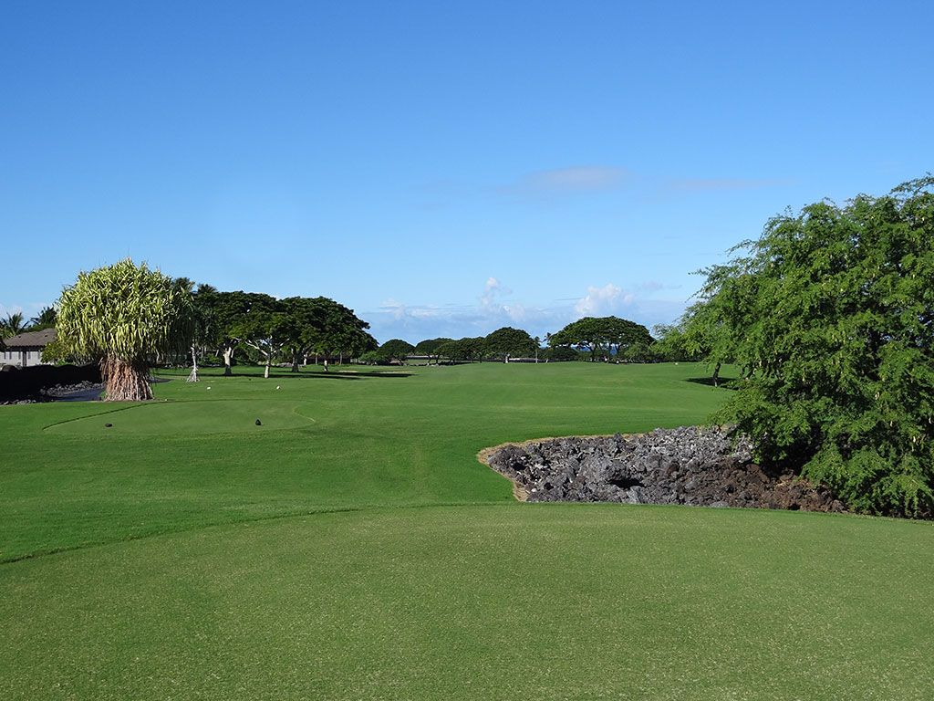 9th Hole at Hualalai Golf Club (Nicklaus) (461 Yard Par 4)