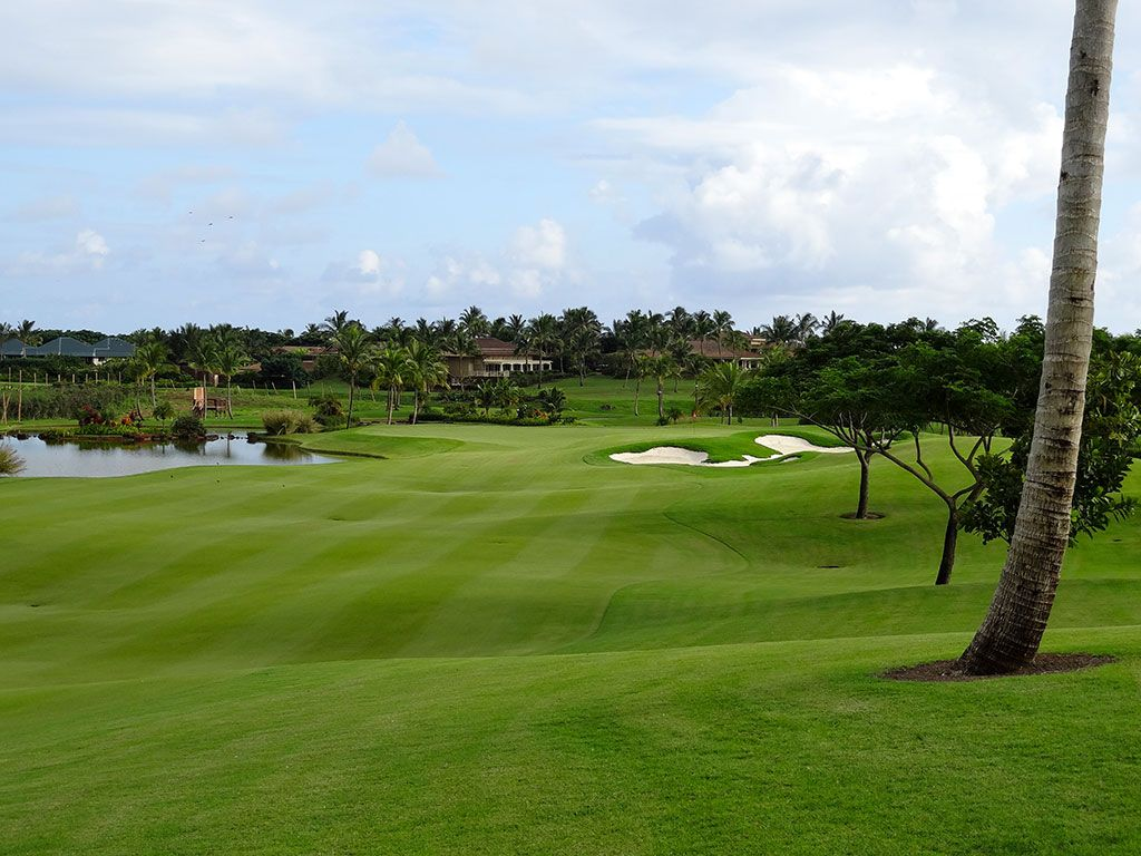 9th Hole at Kukui'ula Golf Club (450 Yard Par 4)