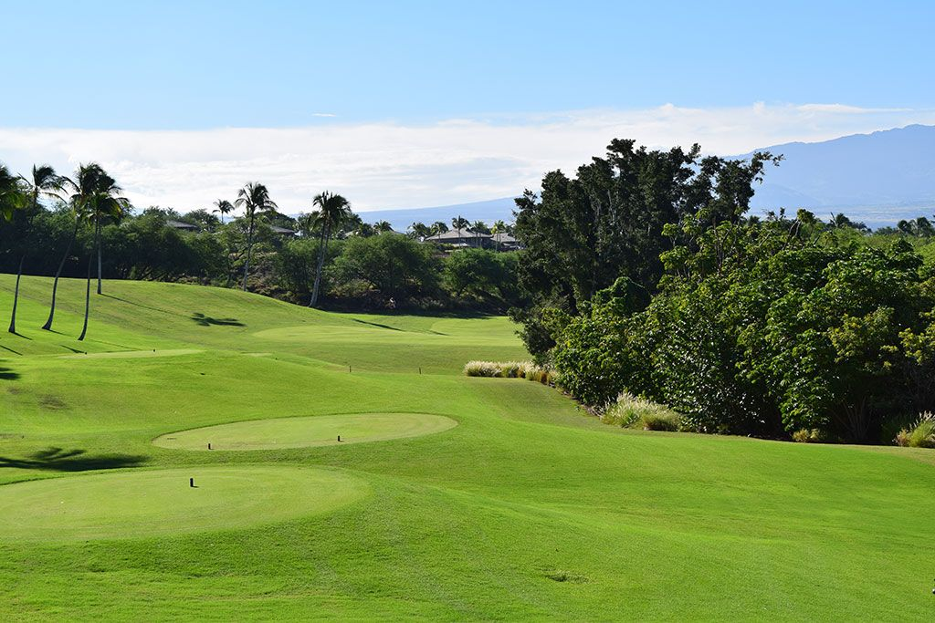 10th Hole at Mauna Kea Resort (567 Yard Par 5)