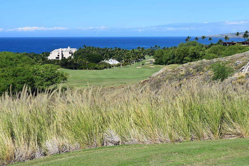 18th Hole at Mauna Kea Resort (450 Yard Par 4)