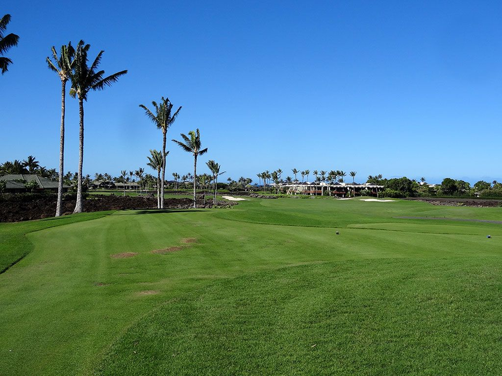 11th Hole at Mauna Lani Resort (South) (402 Yard Par 4)
