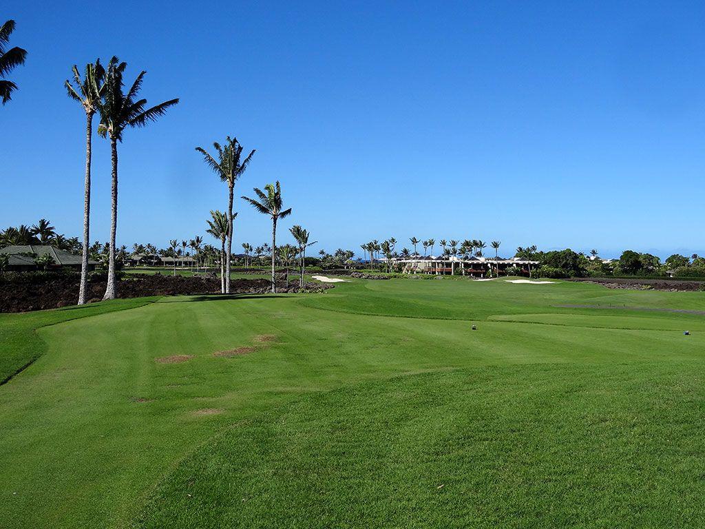 11th Hole at Mauna Lani Resort (South) (402 Yard Par 4)