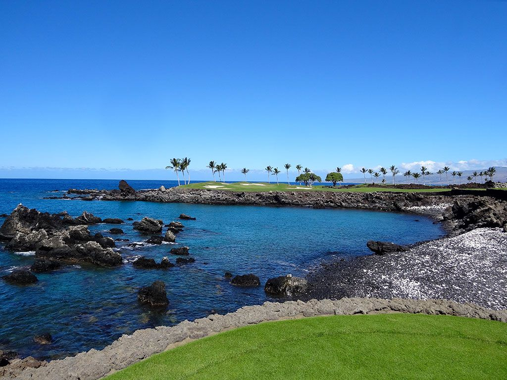 15th Hole at Mauna Lani Resort (South) (196 Yard Par 3)