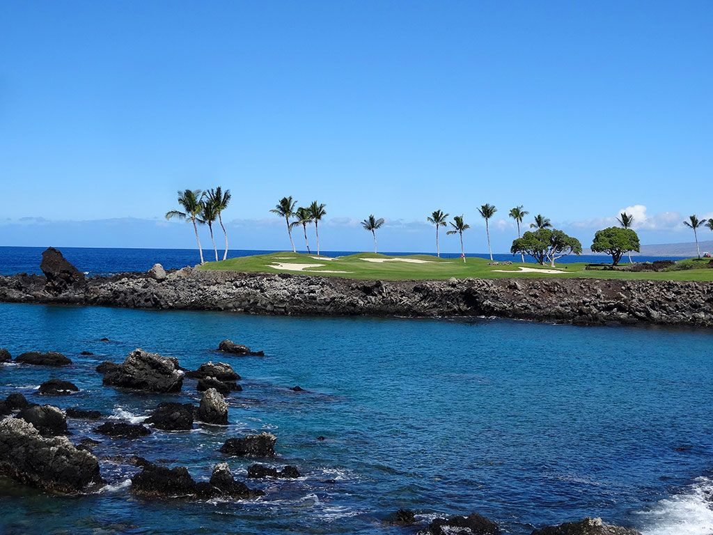 15th Hole at Mauna Lani Resort (South) (196 Yard Par 3)