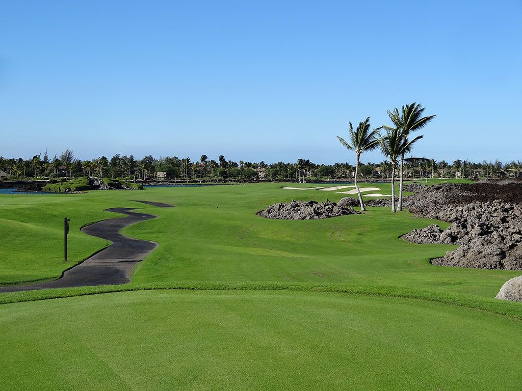 4th Hole at Mauna Lani Resort (South) (581 Yard Par 5)