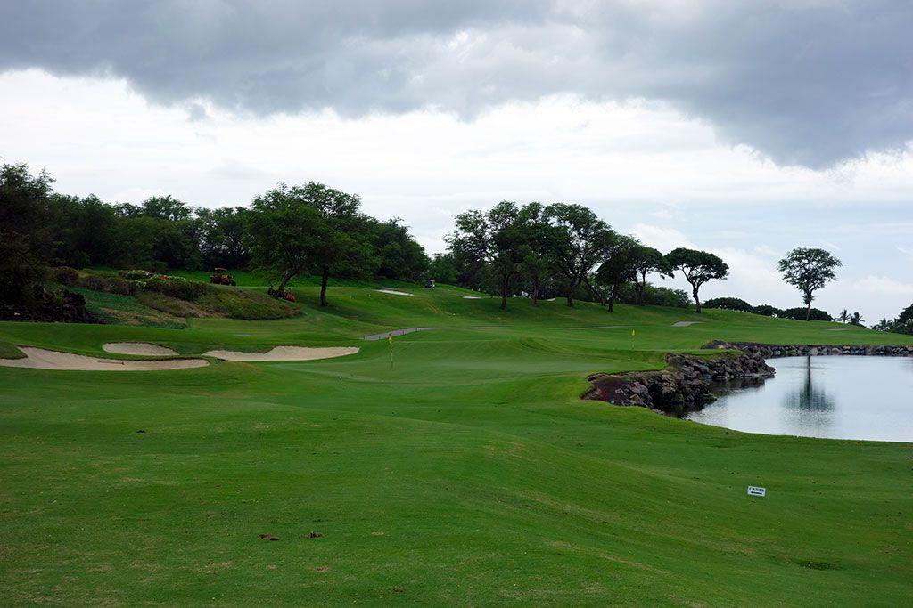 17th Hole at Wailea Resort (Emerald) (332 Yard Par 4)