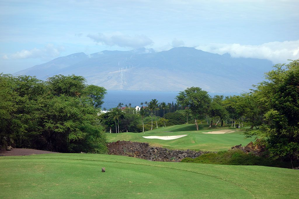 6th Hole at Wailea Resort (Emerald) (456 Yard Par 4)