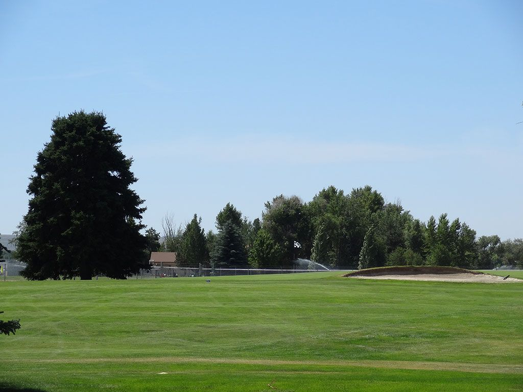 1st Hole at Blackfoot Golf Course (461 Yard Par 5)