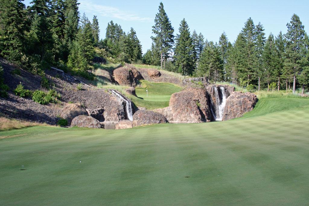 11th Hole at Black Rock Golf Club (413 Yard Par 4)