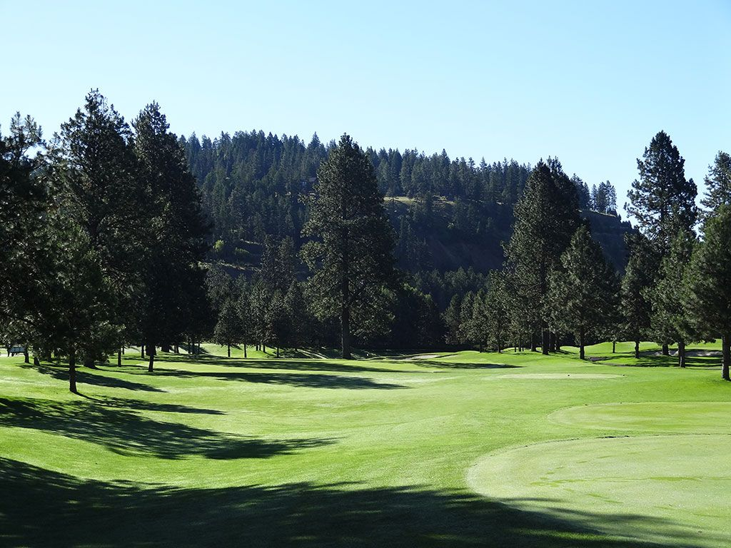 8th Hole at Coeur d'Alene Resort (437 Yard Par 4)
