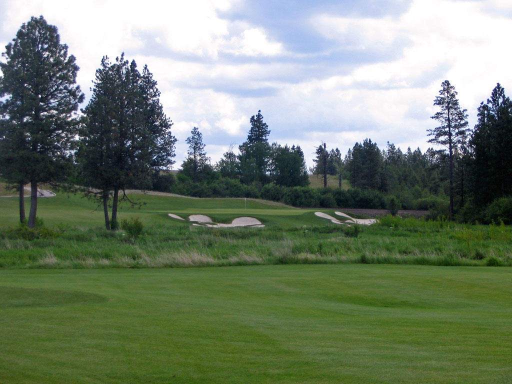 10th Hole at Circling Raven Golf Club (336 Yard Par 4)