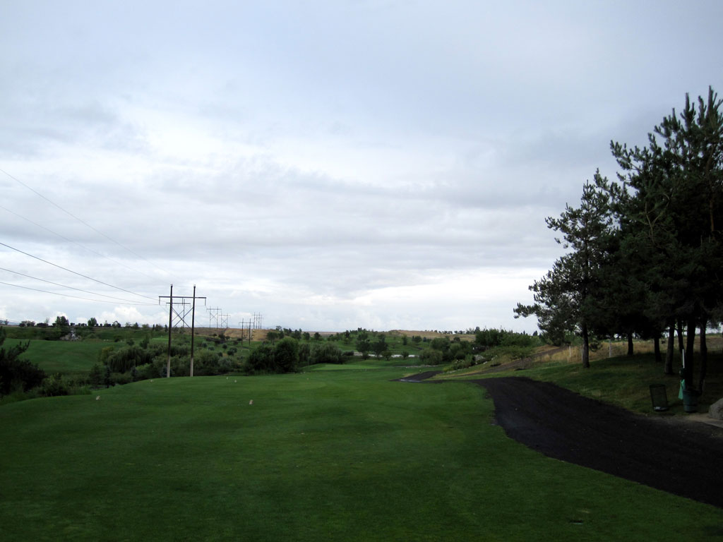 9th Hole at Falcon Crest Golf Club (337 Yard Par 4)