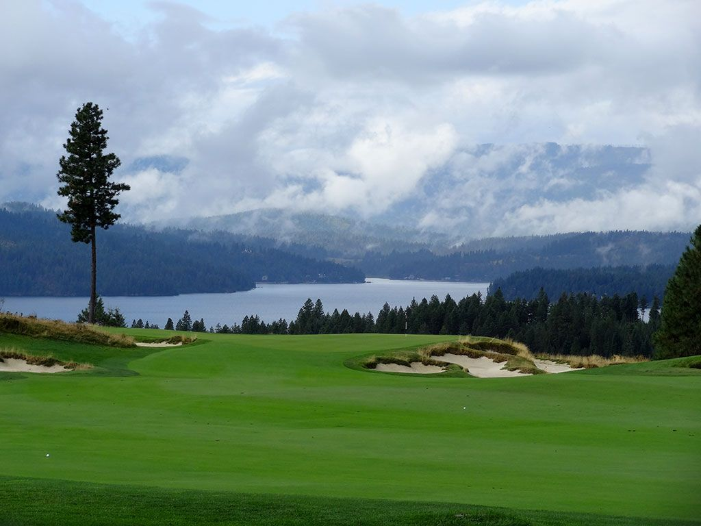 15th Hole at Gozzer Ranch Golf and Lake Club (431 Yard Par 4)