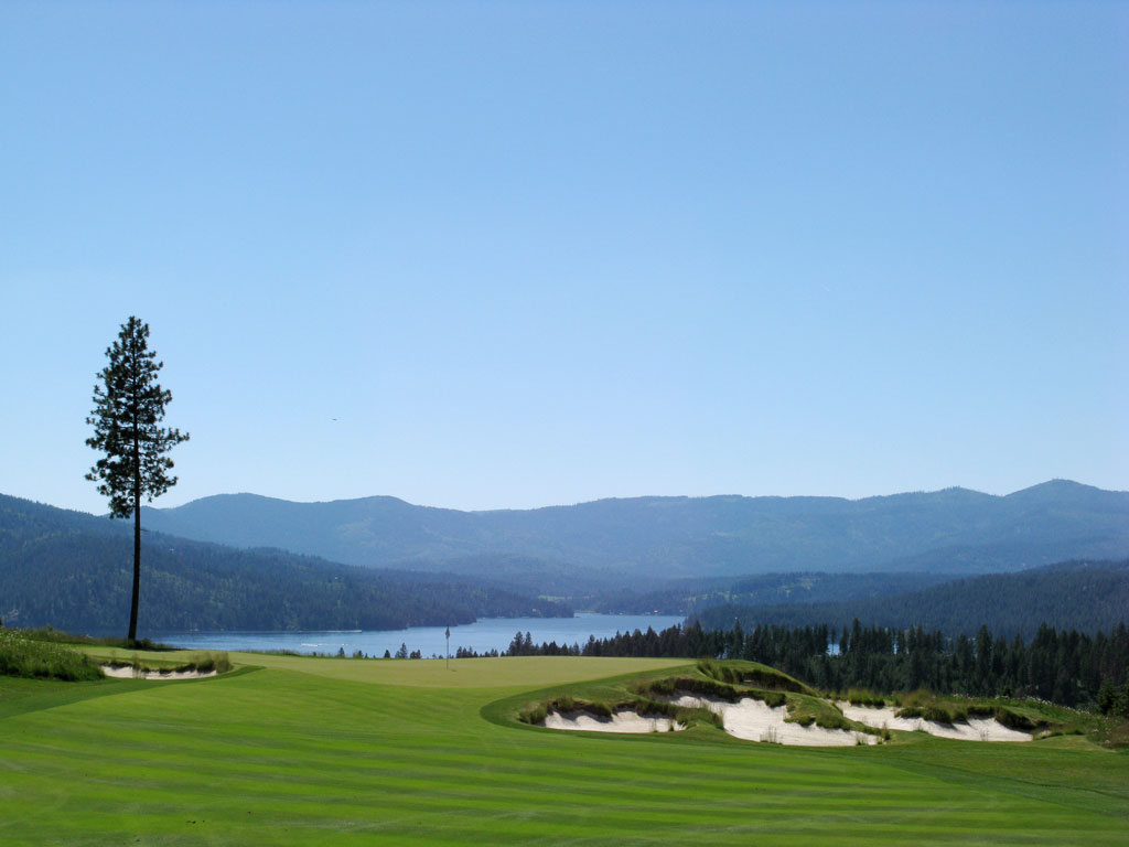 Stunning Lake Coeur d'Alene behind the 15th green