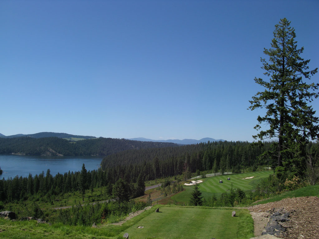 16th Hole at Gozzer Ranch Golf and Lake Club (501 Yard Par 5)