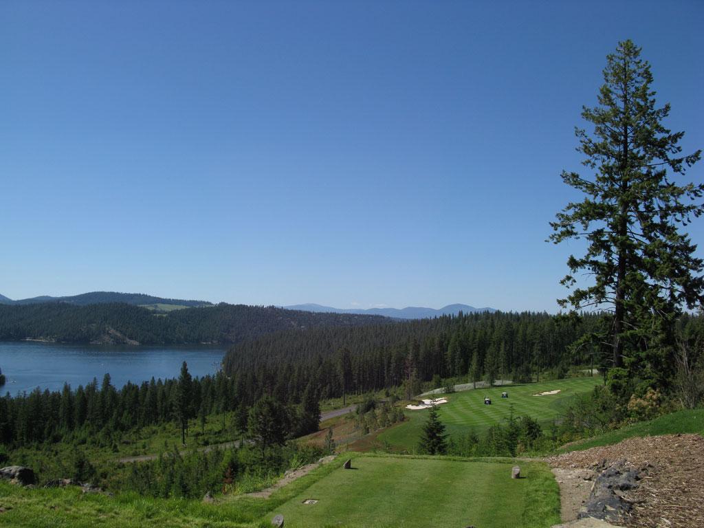 16th Hole at Gozzer Ranch Golf and Lake Club (501 Yard Par 5)